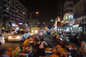 Myanmar-nachtmarkt